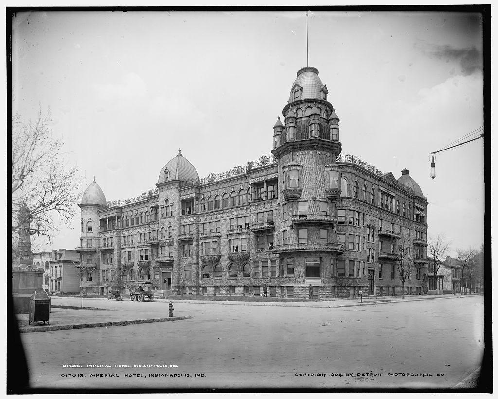 Ohio_St._220_Imperial_Hotel_1904_LC