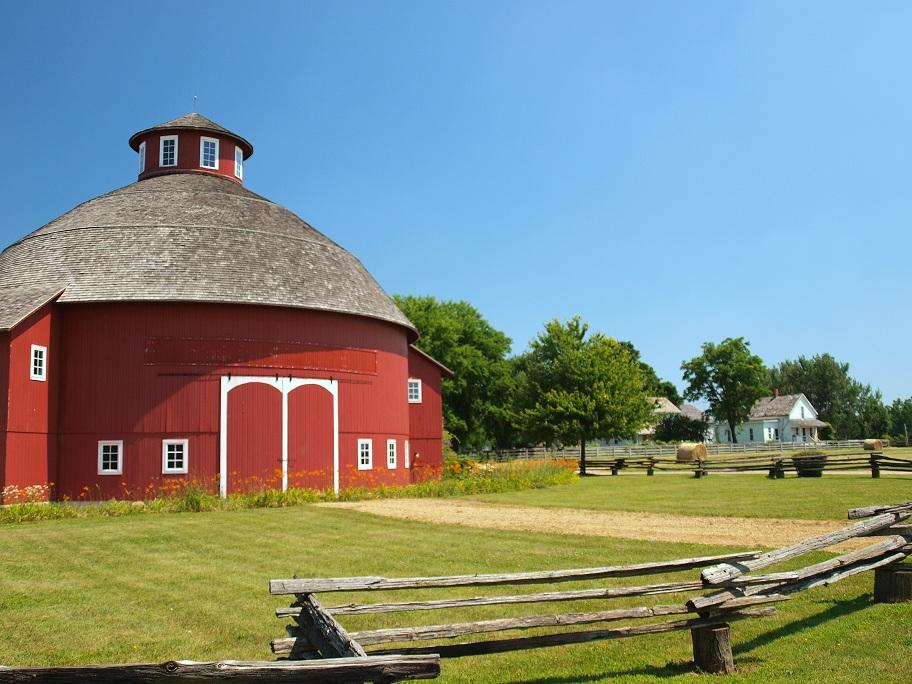 10_Amish_Acres