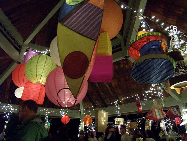 Feast_lanterns_in_gazebo